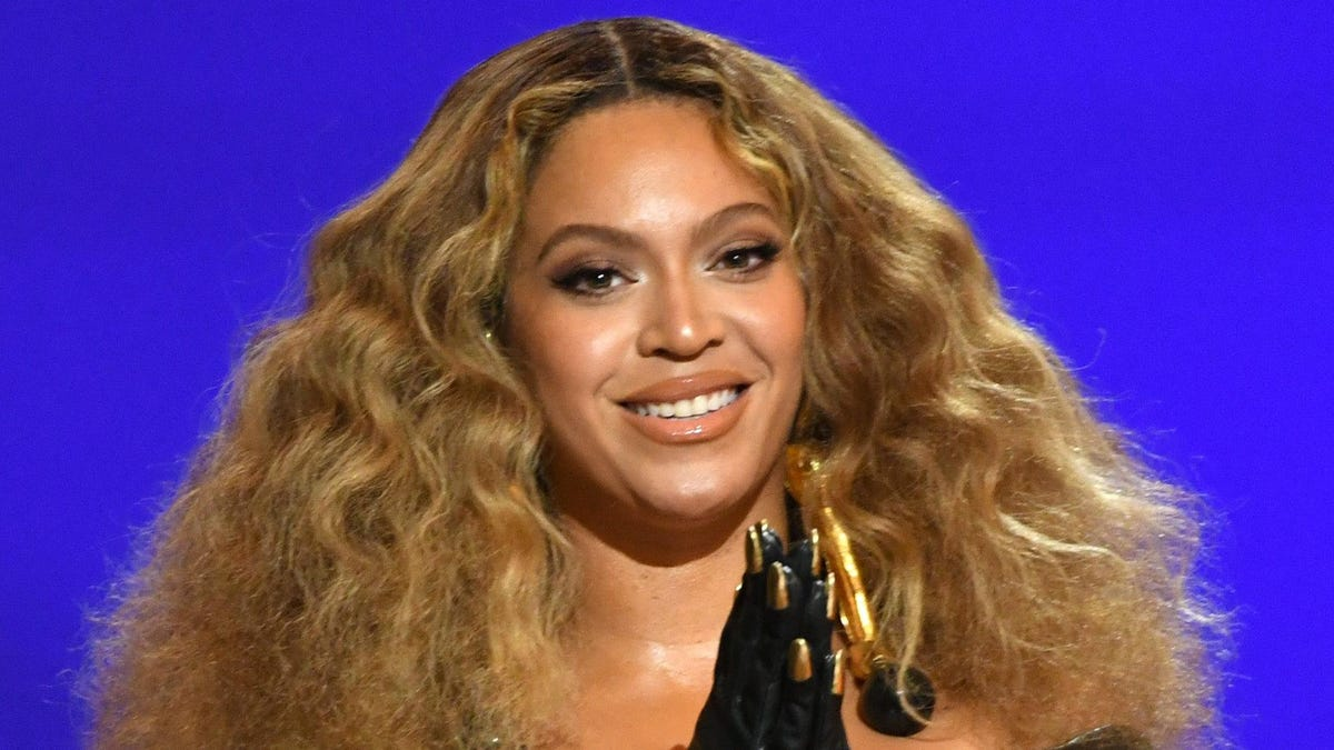 What Starts With 'Beyoncé' and Ends With 'Released Some New Music Videos'?
