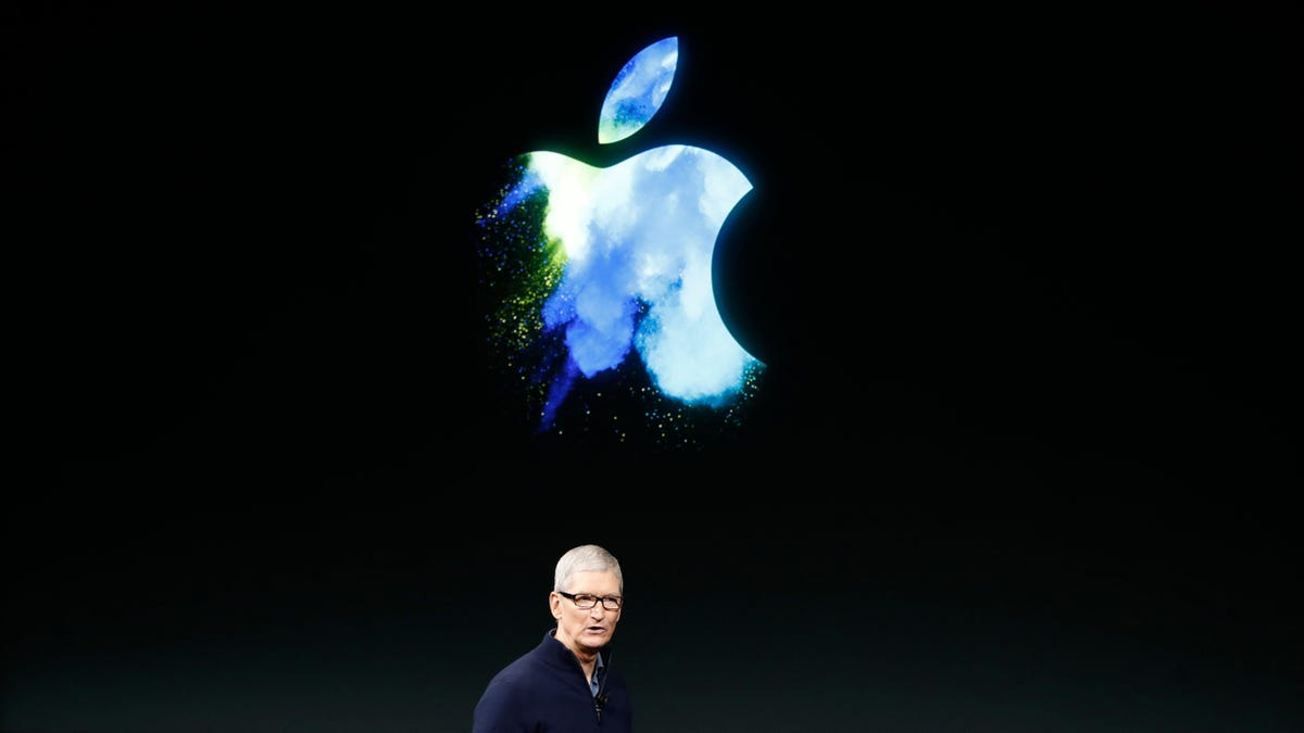 Tim Cook Tells Employees That the Company Is Hunting Down Leakers thumbnail