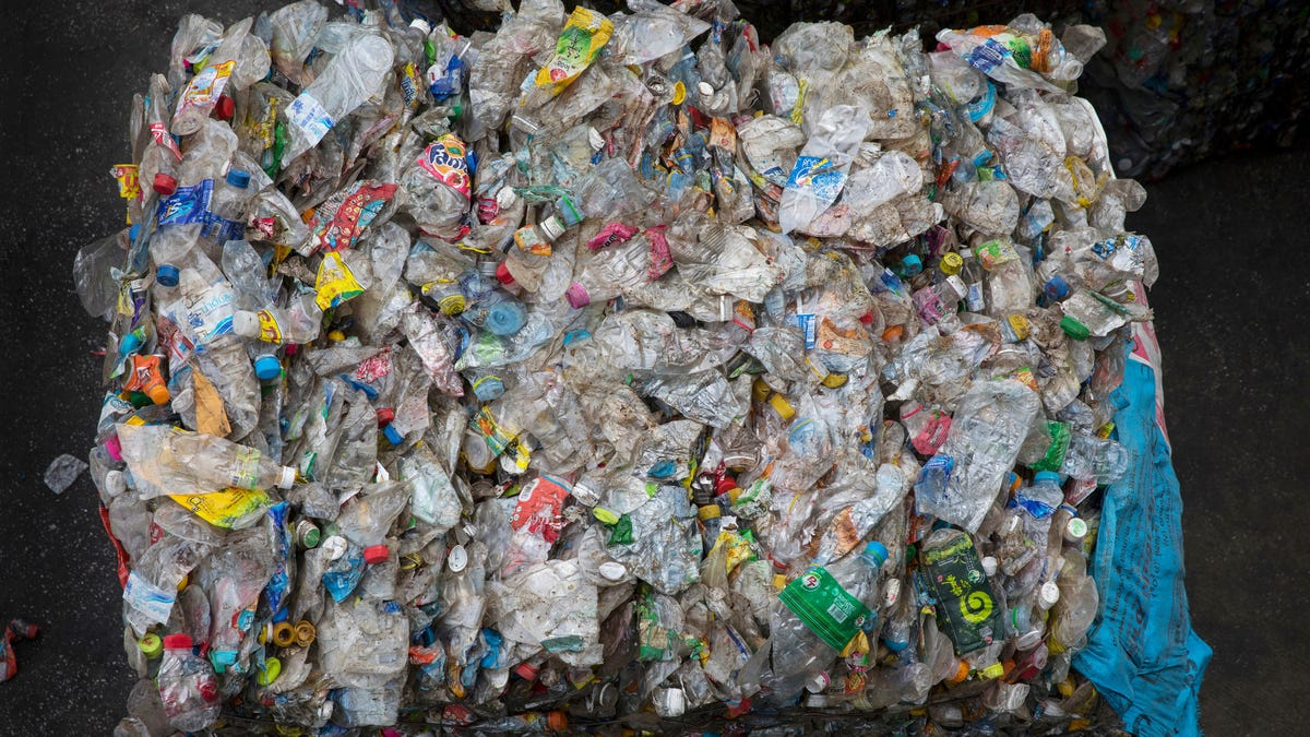 Scientists Say They've Cooked Up an Endlessly Recyclable Plastic