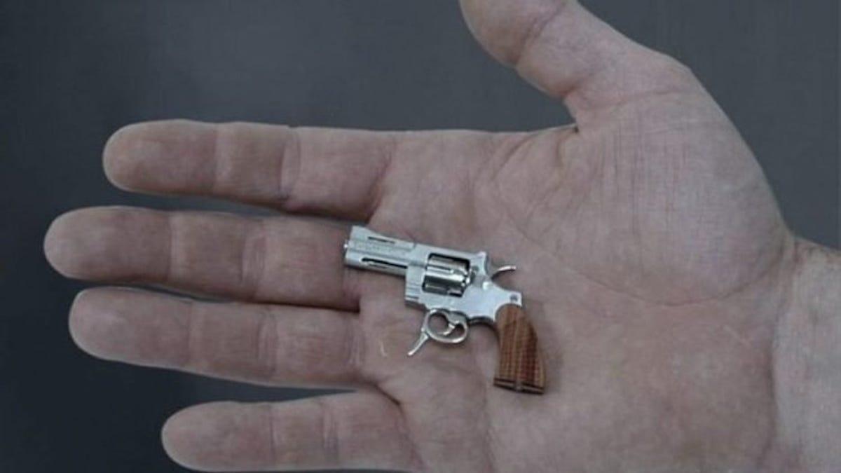 Matar con la pistola más pequeña del mundo es muy complicado