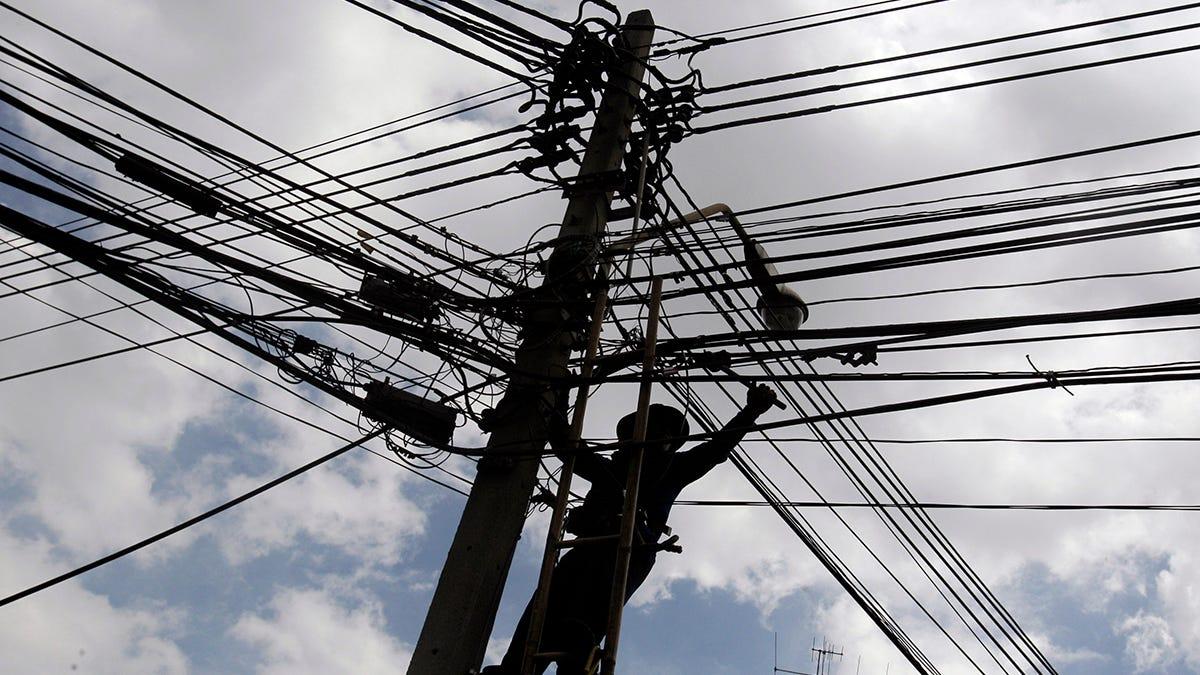 Postes para cableado electrico
