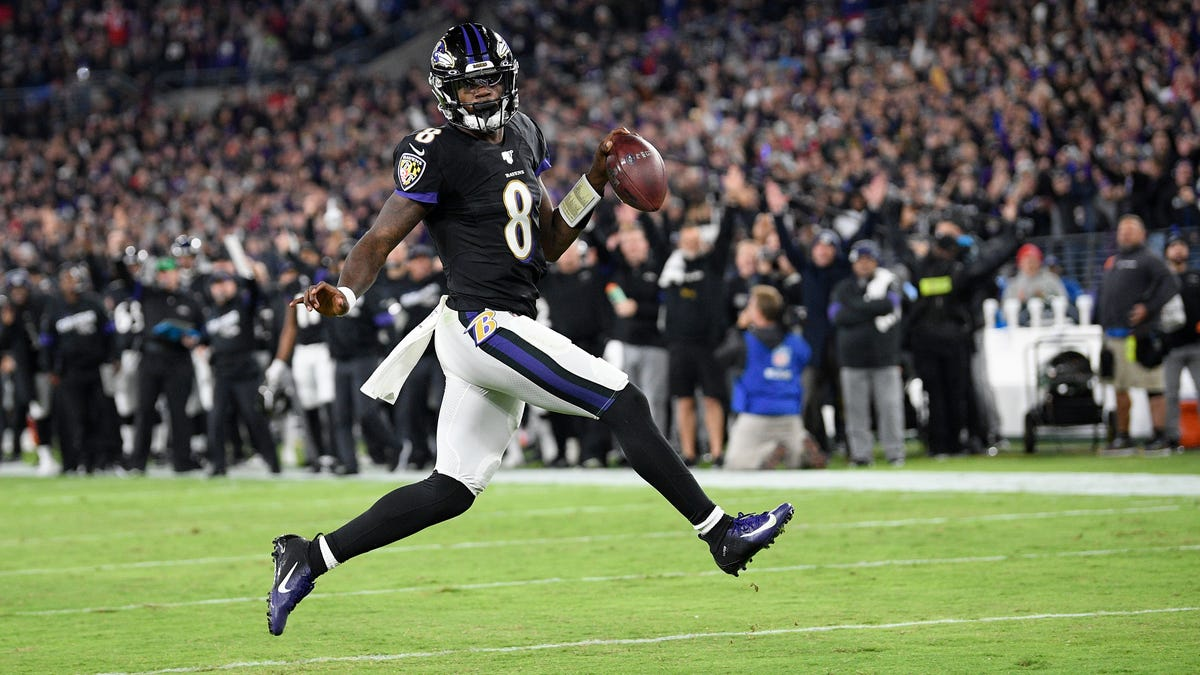 Lamar Jackson Shellacs Pats, Handing New England First Loss