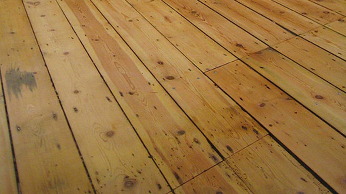 Fix Squeaky Floorboards With Cornstarch