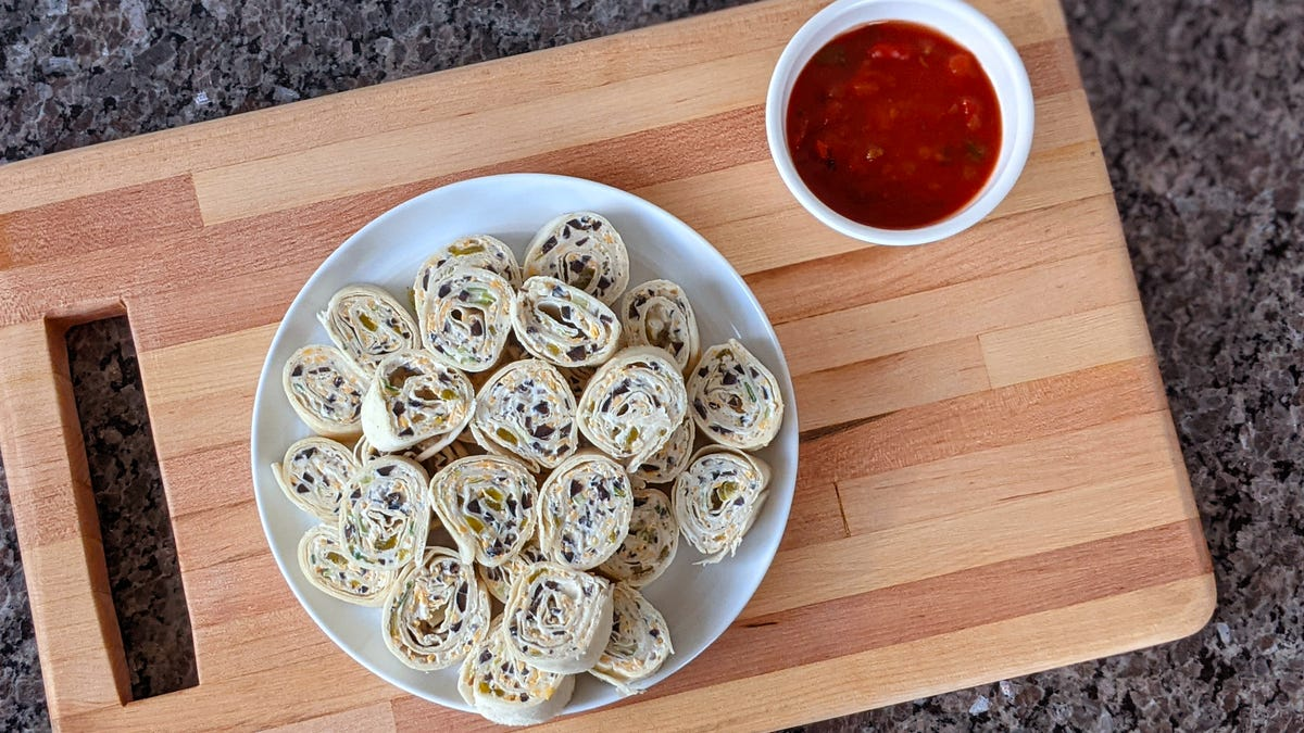 Recipe: Cheesy Tortilla Roll-Ups, your go-to summer appetizer