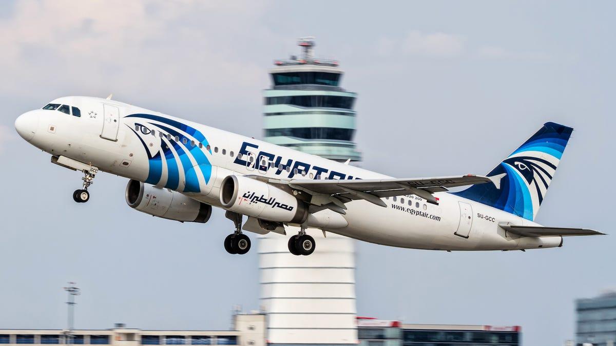 La historia de la aerolínea fantasma que vuela de El Cairo a Tel Aviv