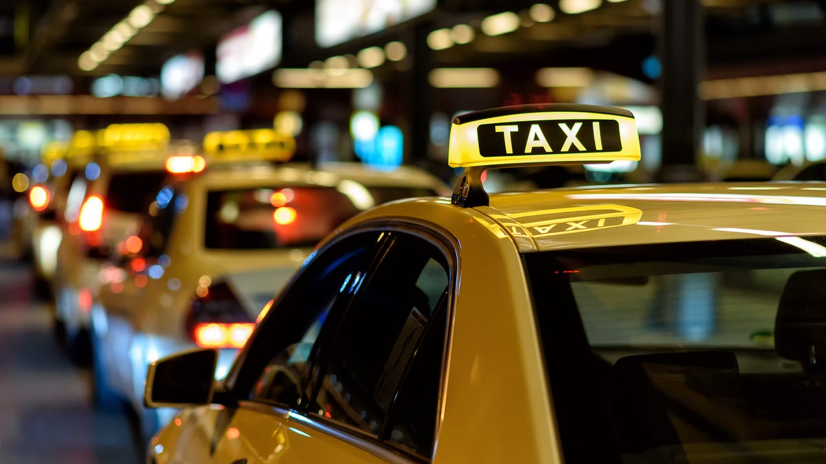 Check Airport Taxi and Ride Share Cost Estimates Before a Trip