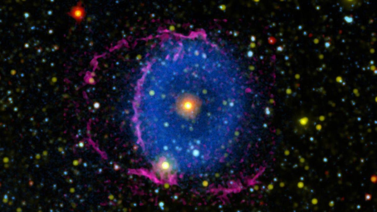 Mystery of Glowing Cosmic 'Eye' Finally Solved – Gizmodo