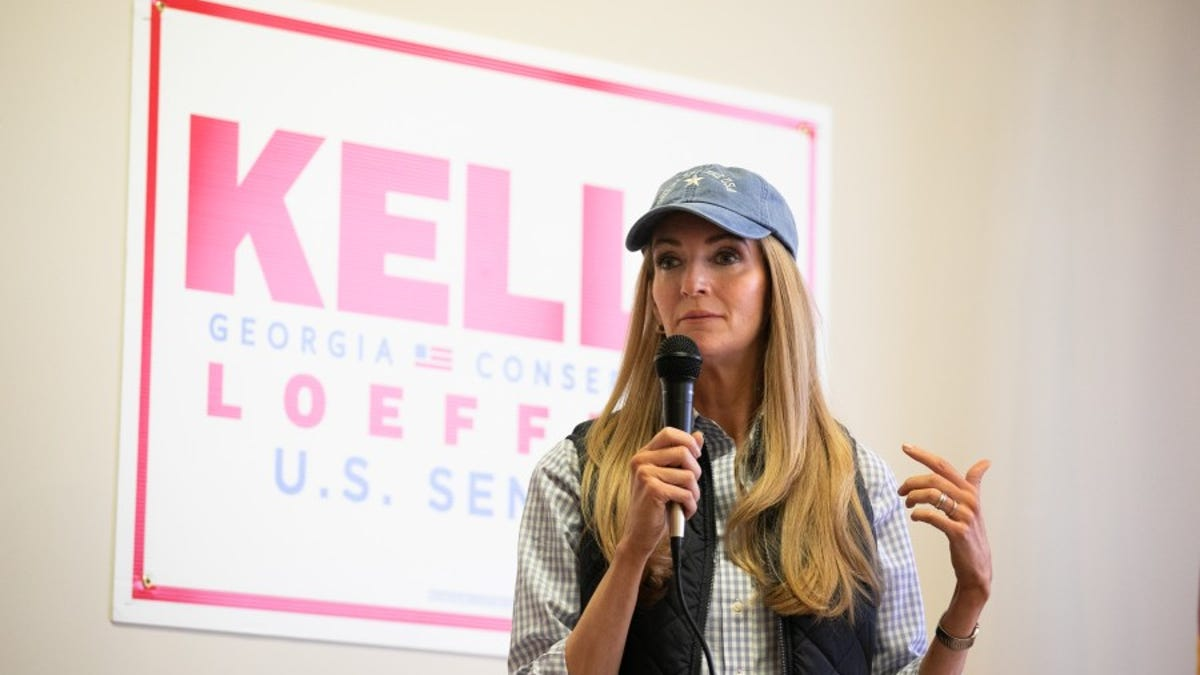 Kelly Loeffler's Campaign Claims She 'Had No Idea' the Man She Posed With in a Photo Is a Former KKK Leader