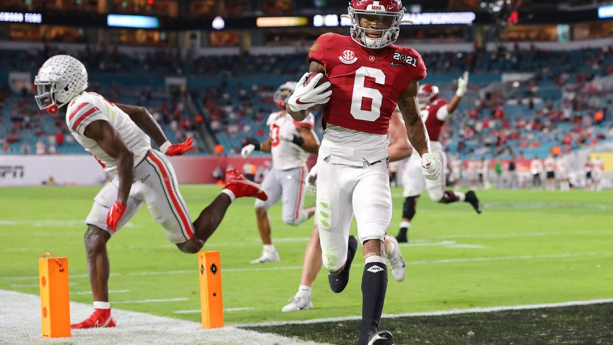 Nope, sorry, I'm tired of hearing it — size does NOT matter when it comes to DeVonta Smith's talent