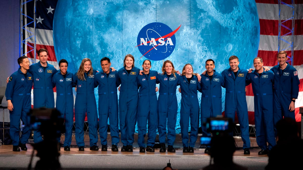 NASA Announces Team of 18 Astronauts Who Will Train For Artemis Moon Landings