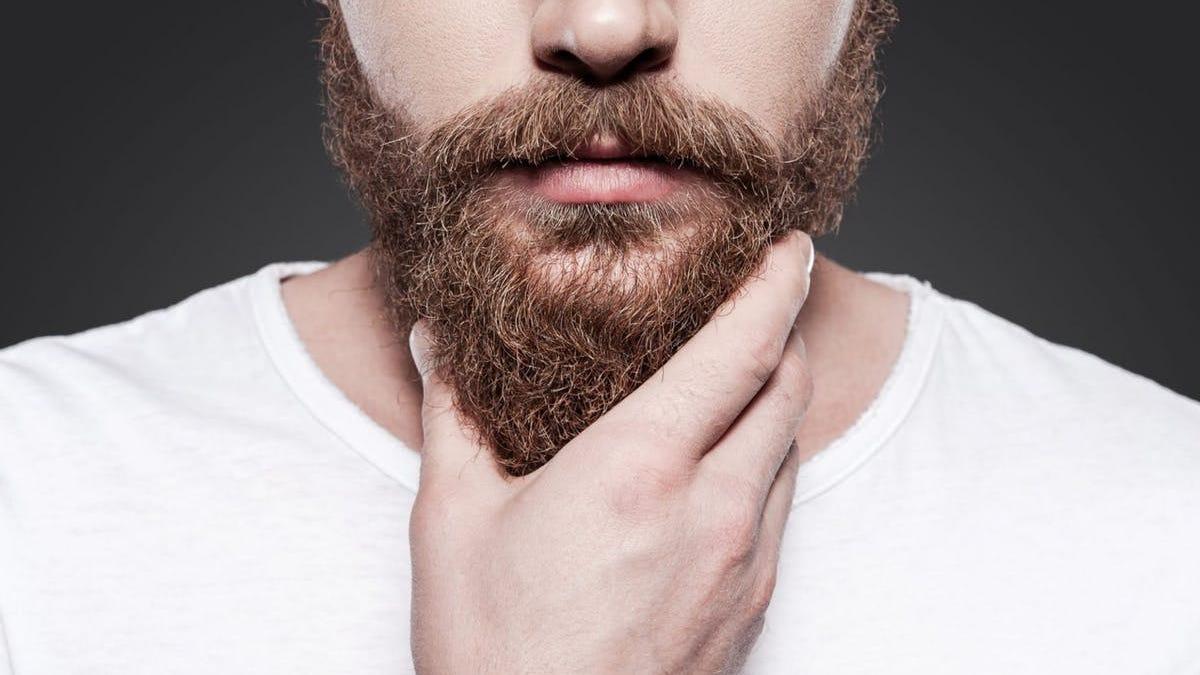 Como tenirse la barba de blanco