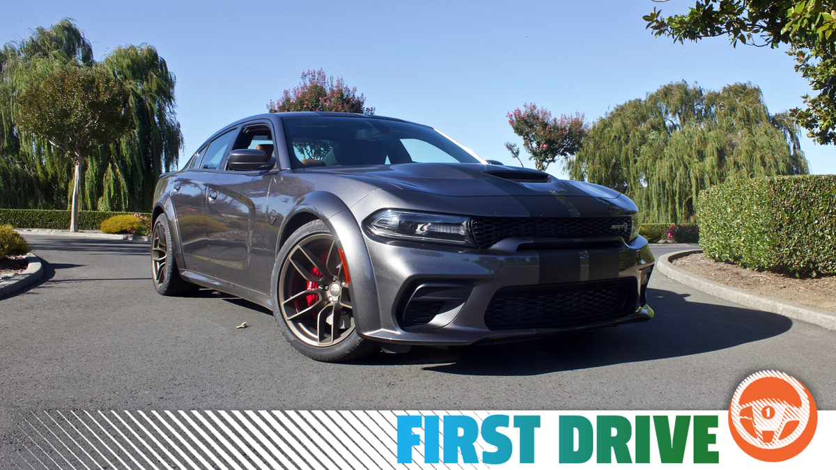 The 2020 Dodge Charger Srt Hellcat Widebody Is A 707 Hp Four Door Land Missile For The Fans