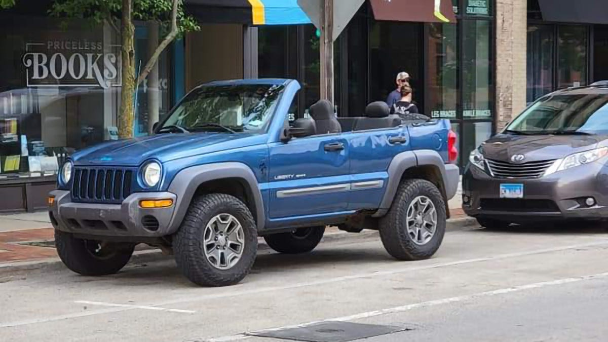 This Dude Found The Secret To Making The Jeep Liberty Cool