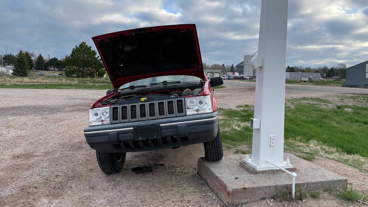 I Fixed This Dying 'Holy Grail' Jeep With $10 In Parts From Home Depot