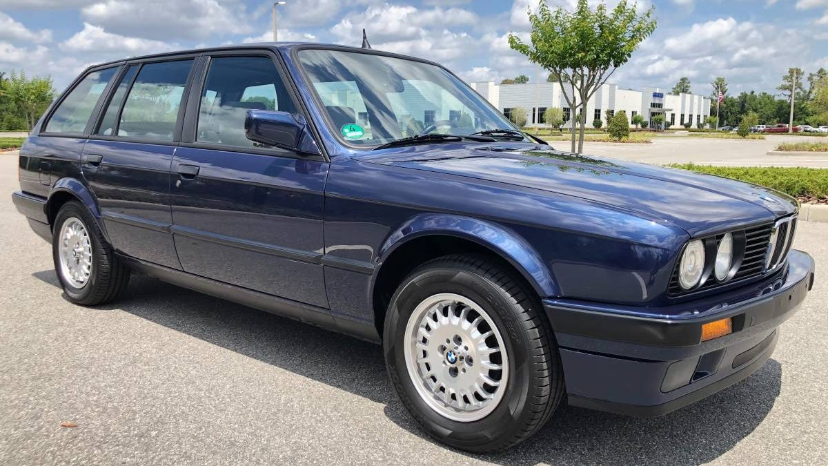 At $17,000, Could This 1991 BMW 316i Estate Pass The Touring Test?