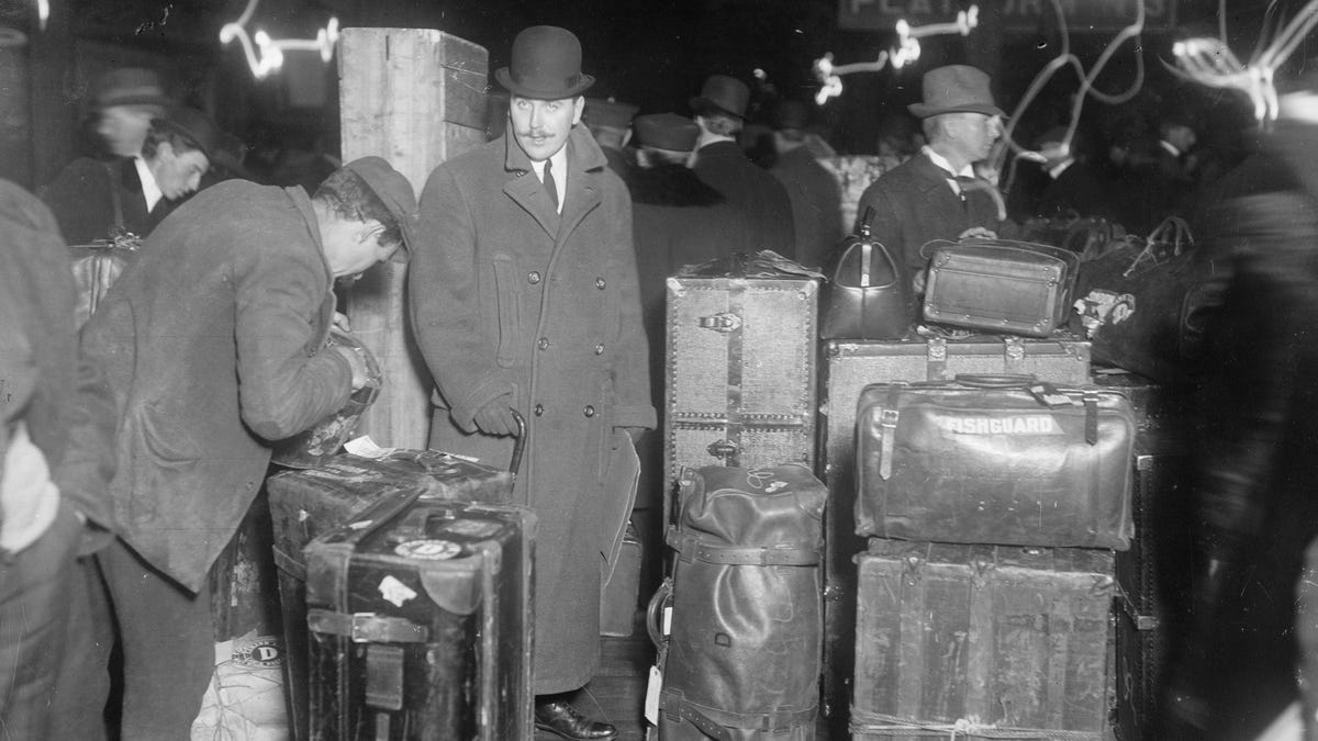 We Could Have Always Had Rolling Suitcases If It Weren't For Sexism