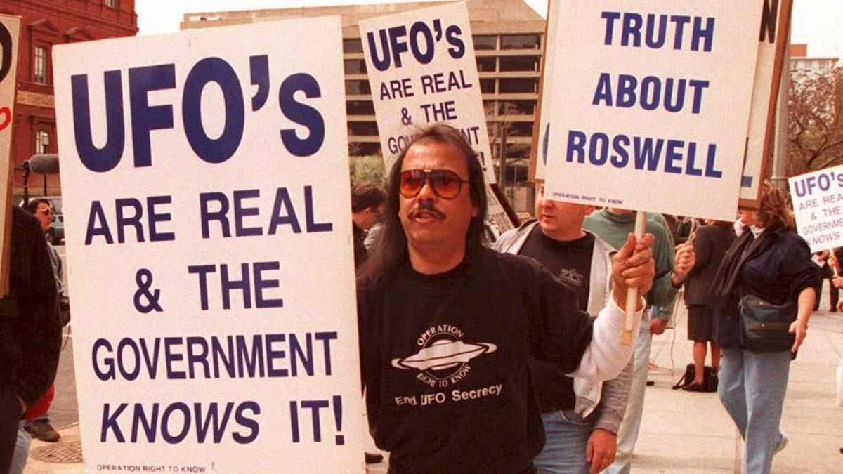 This Day In History: Jimmy Carter Files Report On UFOs