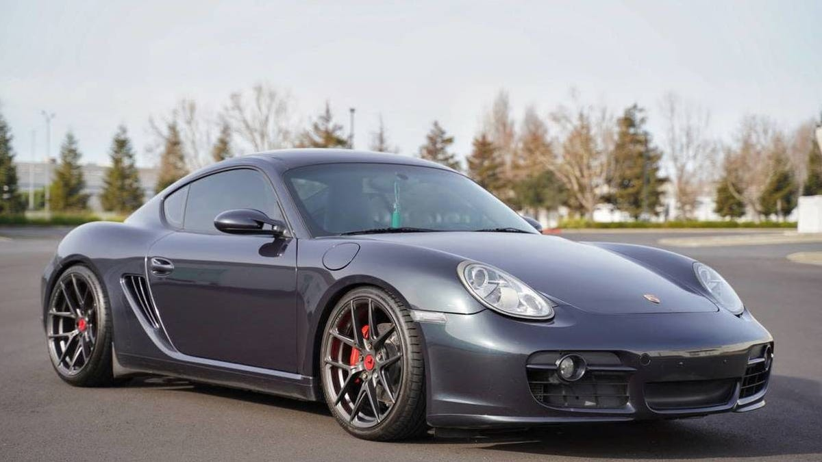 At 20 000 Could This Lightly Modded 2007 Porsche Cayman S Get You To Lighten Your Wallet