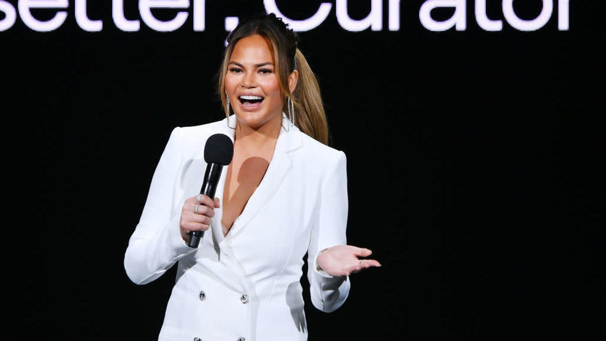 Chrissy Teigen clarifies she is not cuckolding Ronald McDonald