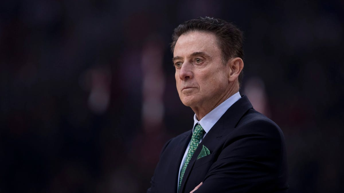 Basketball ignored Rick Pitino's plea for a delayed season, and now his team is paying the price - Deadspin