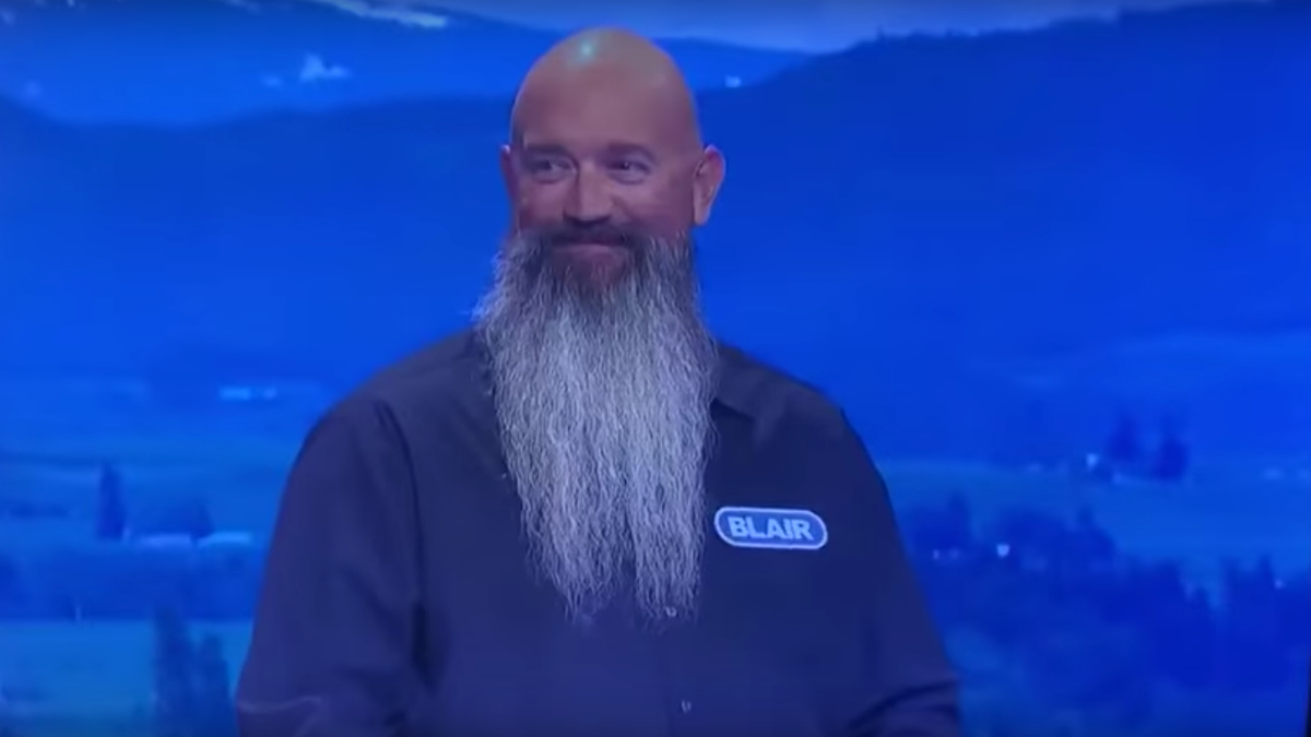 """Wheel Of Fortune contestant mentions """"battle-axe"""" wife and """"rotten grandson"""" in family intro"""