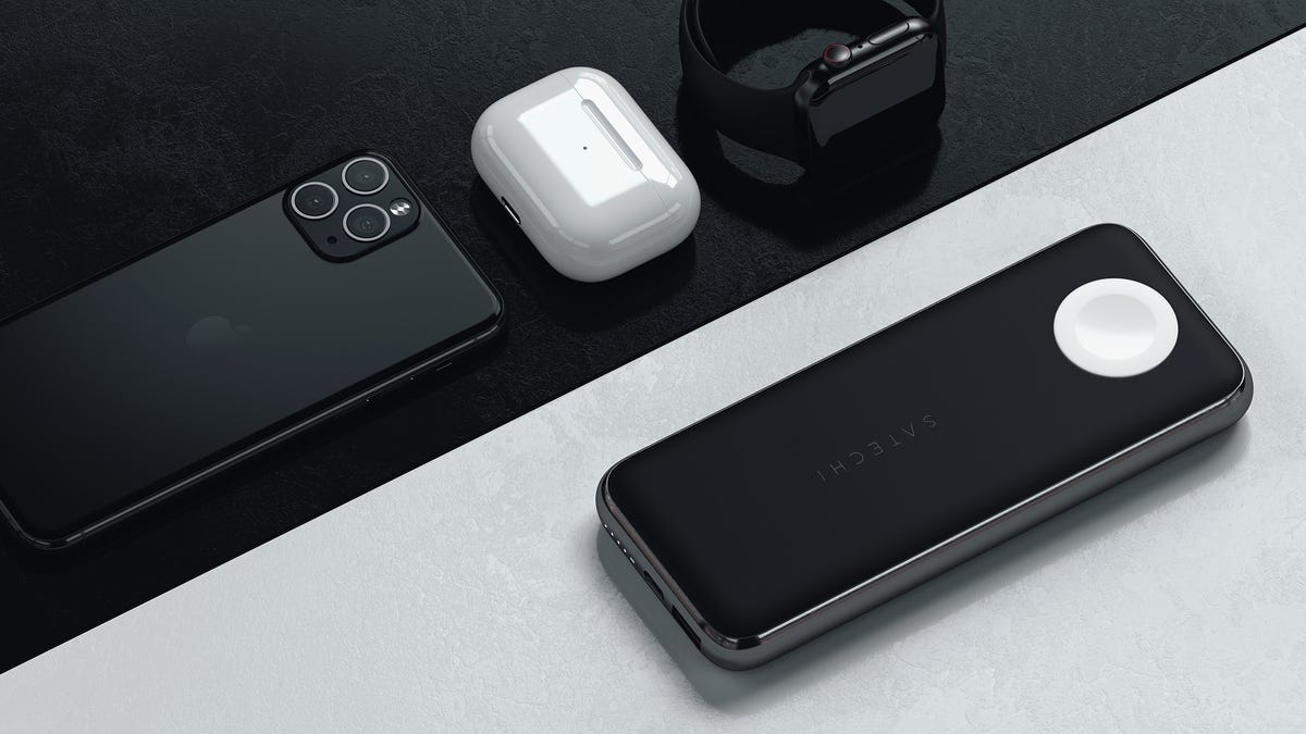 The Satechi Quatro Looks Like an Almost Perfect Portable Power Bank for Apple Fans thumbnail