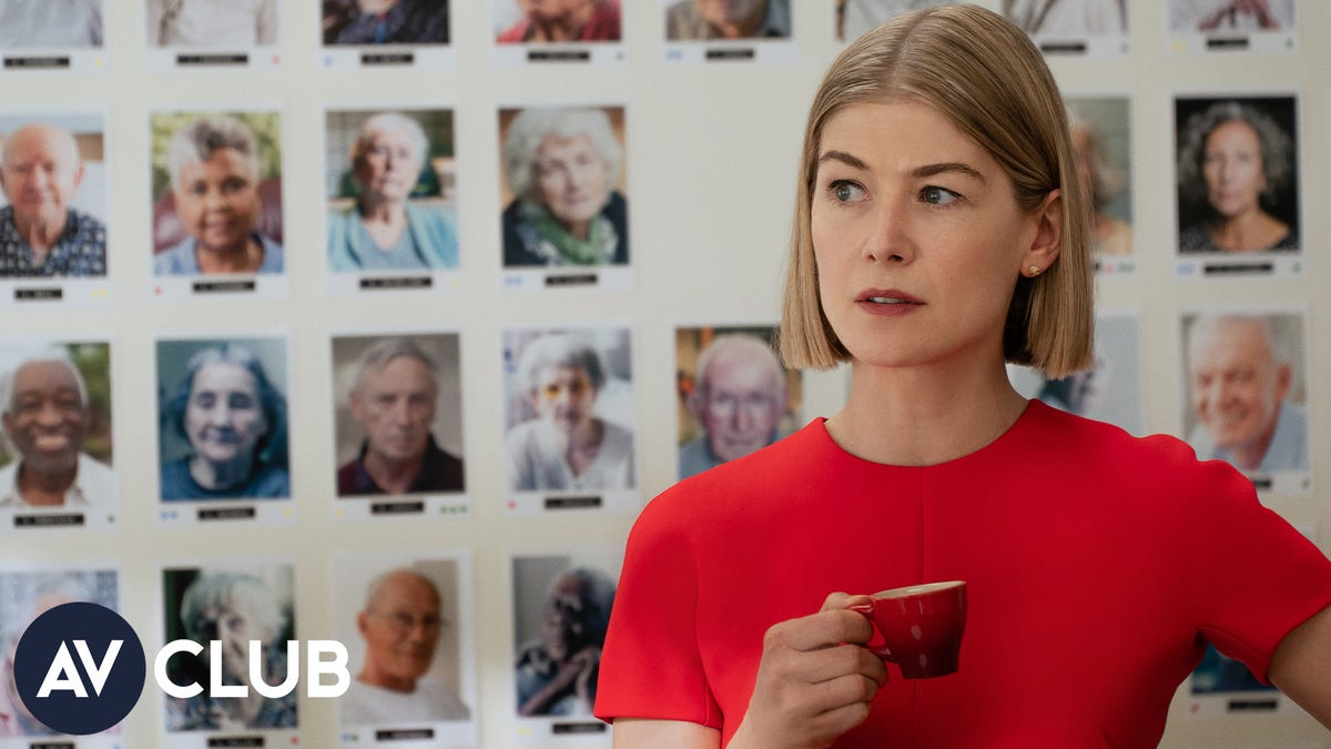 Rosamund Pike on vape life and using her put-together appearance to her advantage - The A.V. Club
