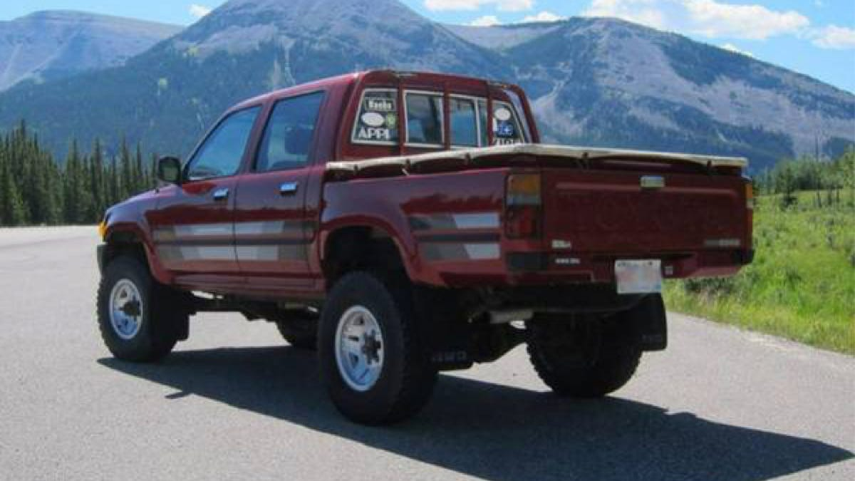 Toyota Diesel Pickup >> Well Here S What A Genuine Toyota Hilux Diesel Sells For In