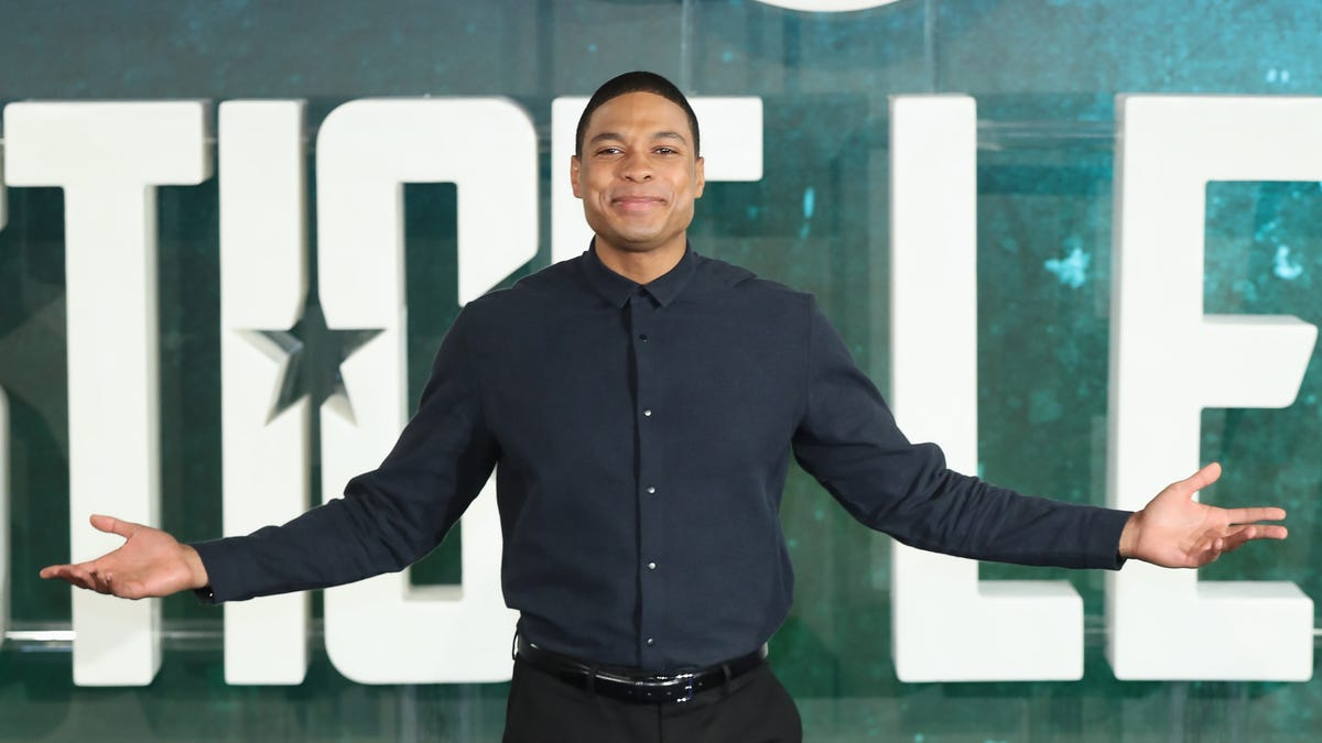 Ray Fisher goes into open revolt against DC Films