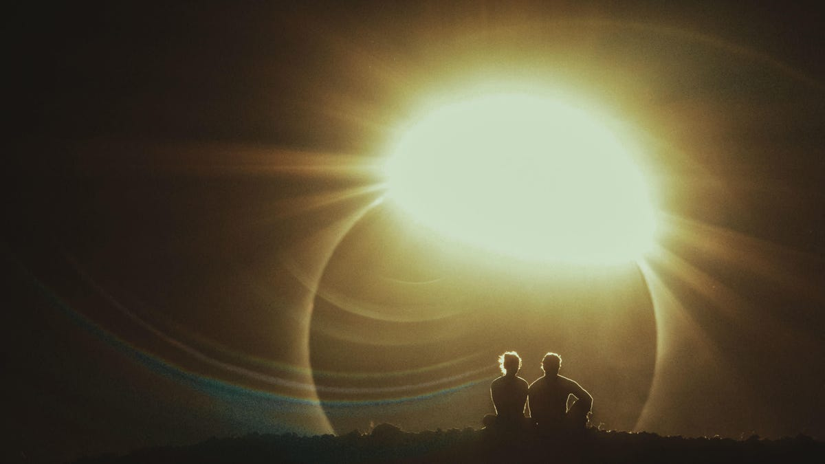 A New Sci-Fi Movie Had 2 Minutes to Capture a Solar Eclipse, Here's What Happened