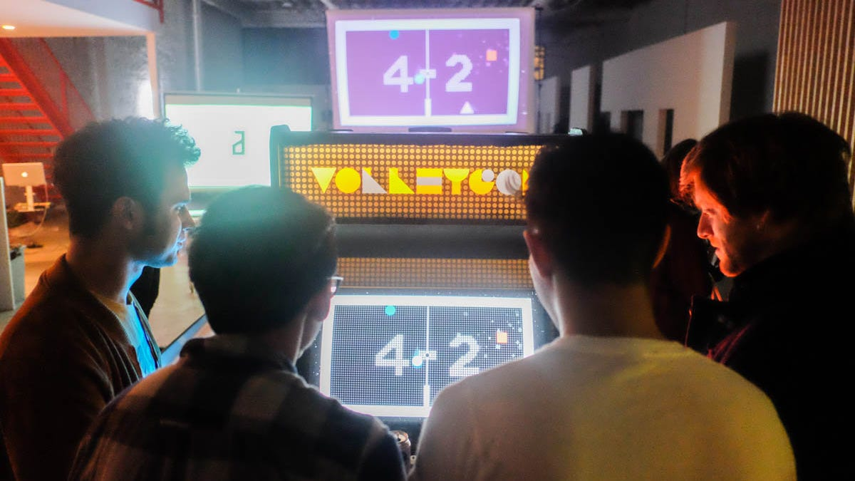 VOLLEYGON Is An Arcade Cabinet That Wants To Bring People Together