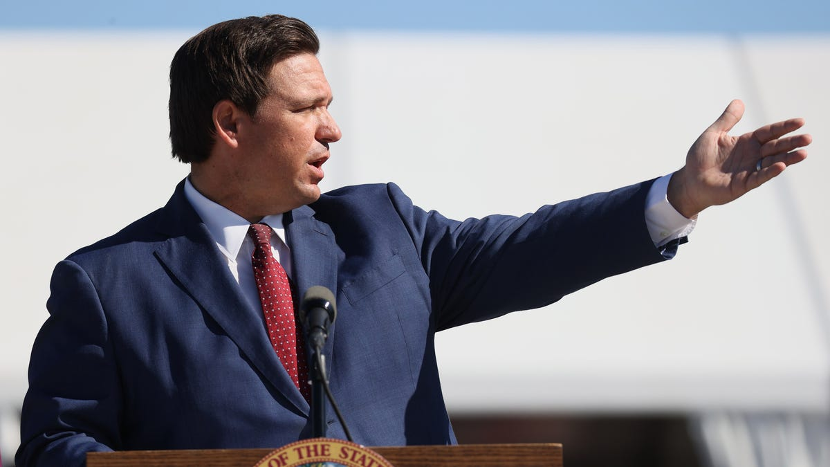 DeSantis Will Ban Vaccine Passports Because Things Are 'Normal' in Florida thumbnail