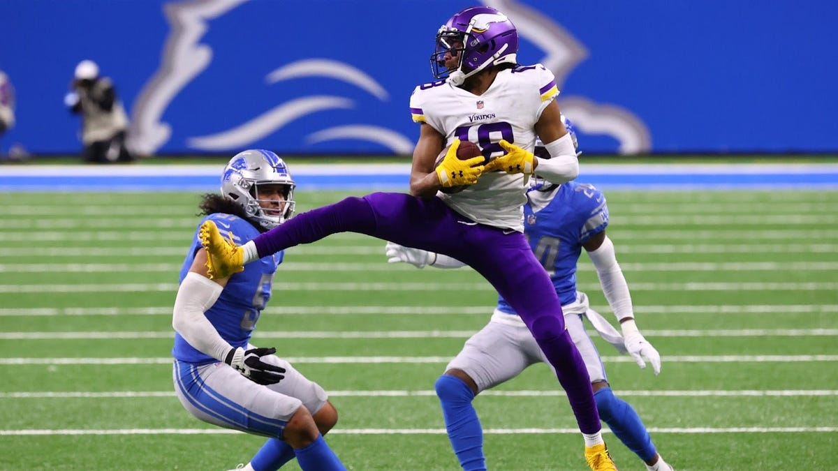 Vikings' Justin Jefferson ballin' makes us wonder which other NFL players could get you buckets?