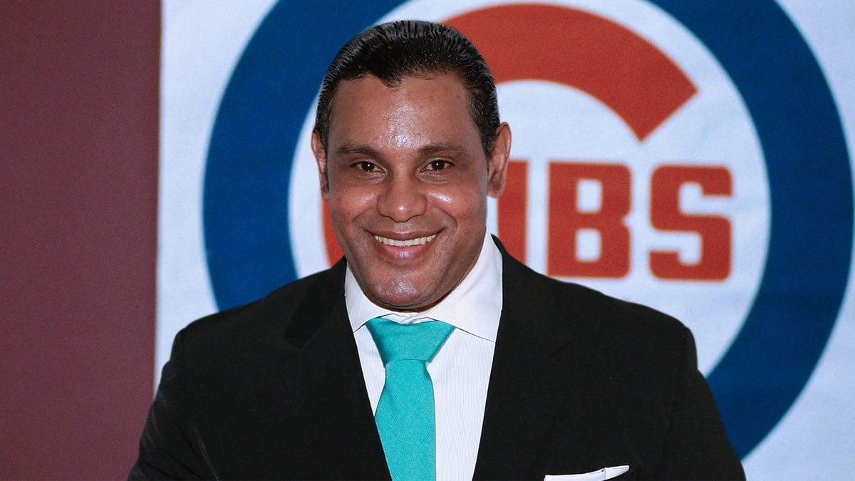 Cubs Sign Sammy Sosa To $300 Million Deal Just To Give Casual Fans Point Of Reference
