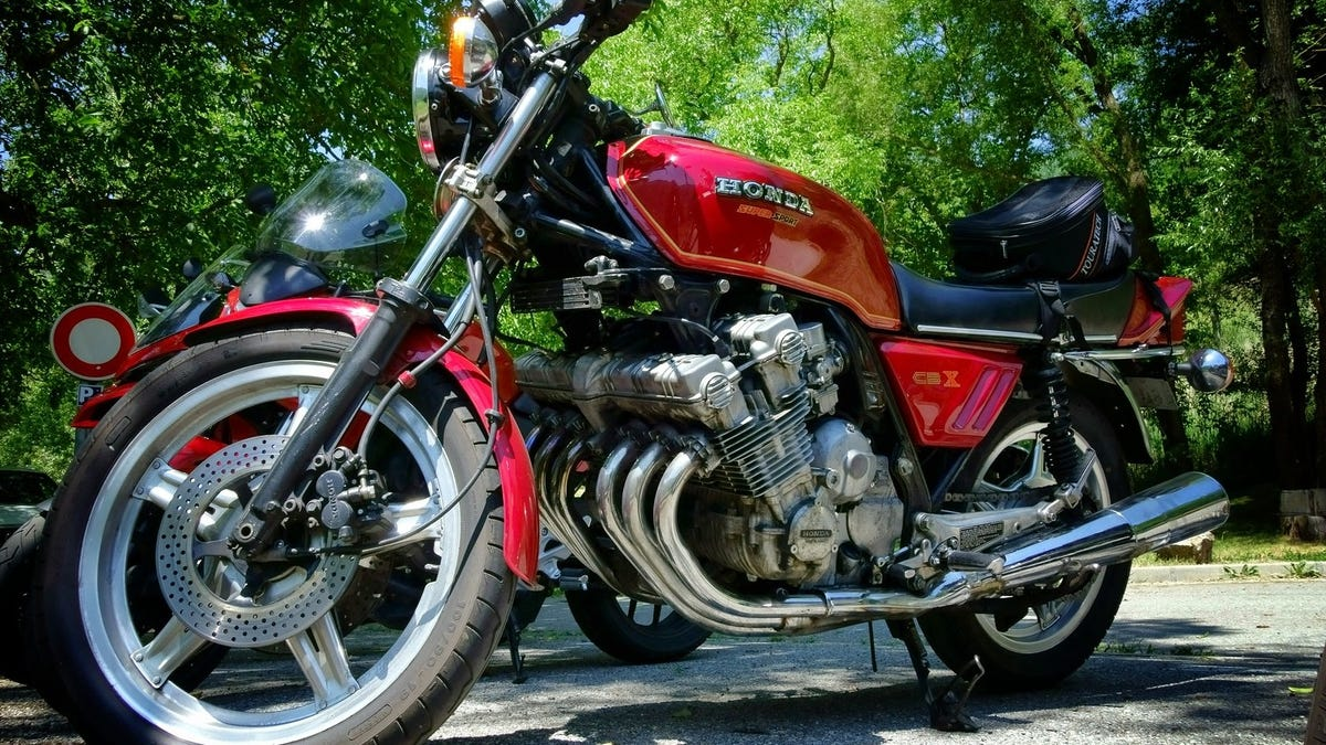 The Honda CBX Makes The Best Noise