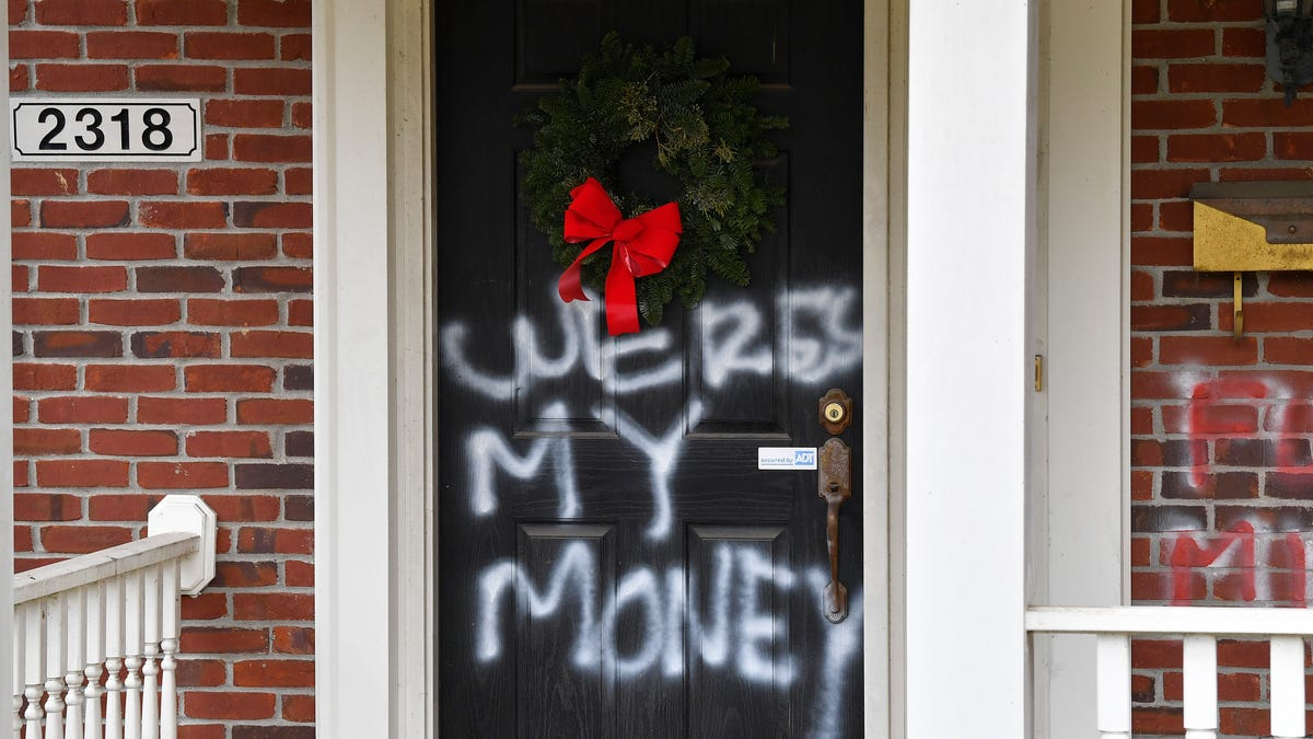 Nancy Pelosi and Mitch McConnell's Homes Vandalized