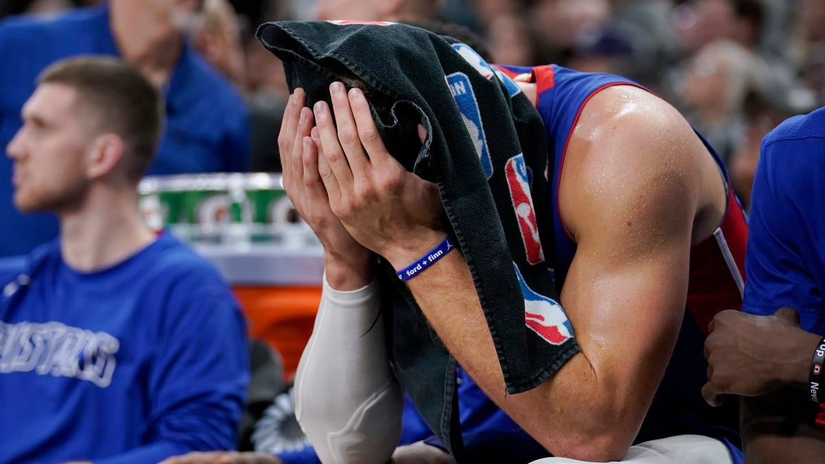 Can Blake Griffin be saved from wasting away with the Detroit Pistons?