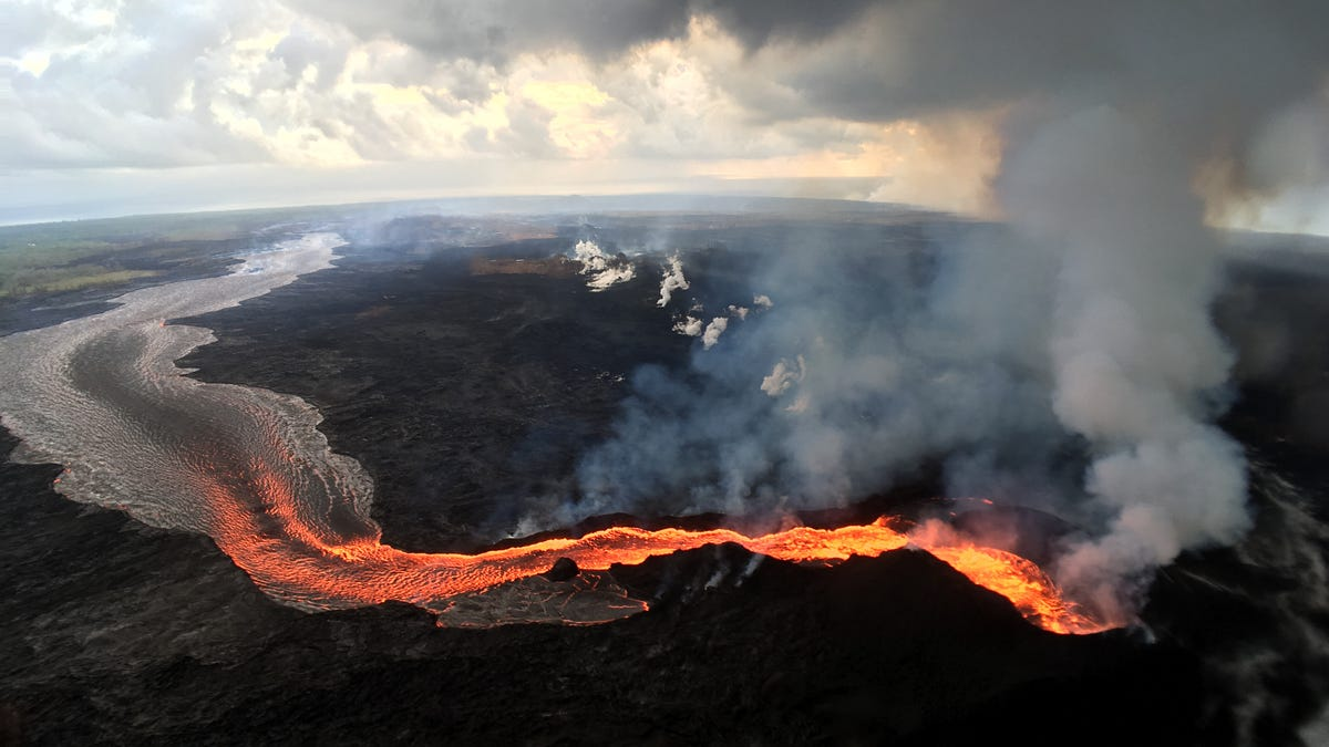 Even After Erupting for Three Months Straight, Kilauea Still Contains a Shocking Amount of Magma