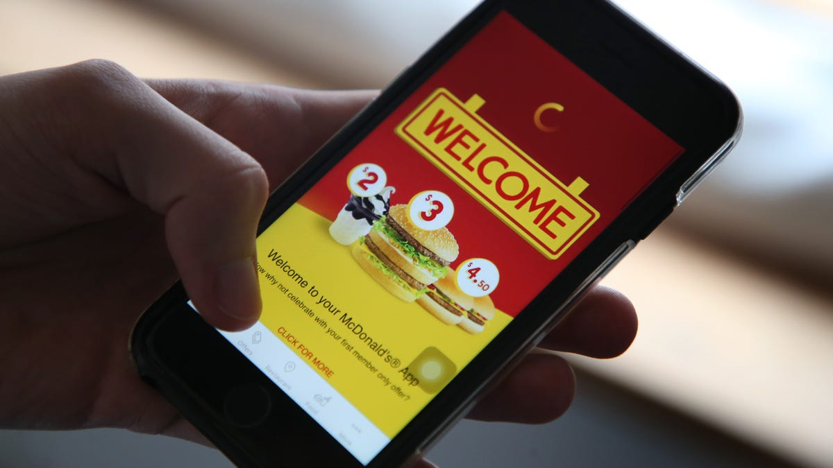 How to Save Money on Fast Food Using Rewards Apps