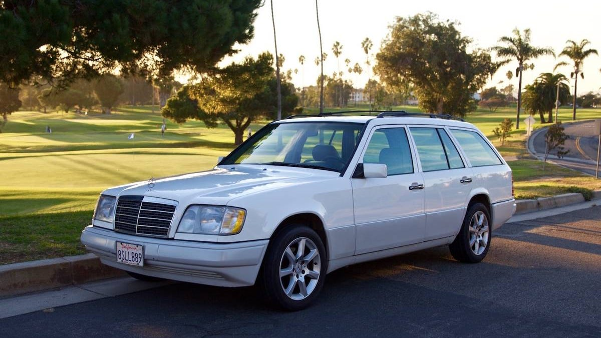 At $5,500, Is This 1994 Mercedes Benz E320 A Wagon You Might Circle?