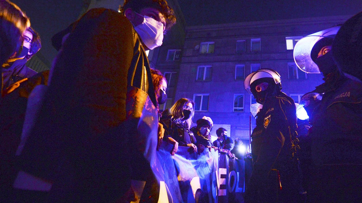 Poland Deploys Riot Police Against Protesters Rallying Against Near-Total Abortion Ban