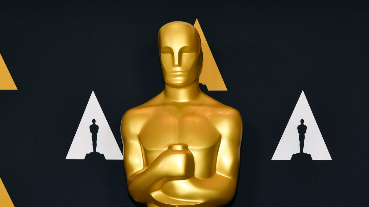 Screw Zoom, the 2021 Oscars are happening live - The A.V. Club