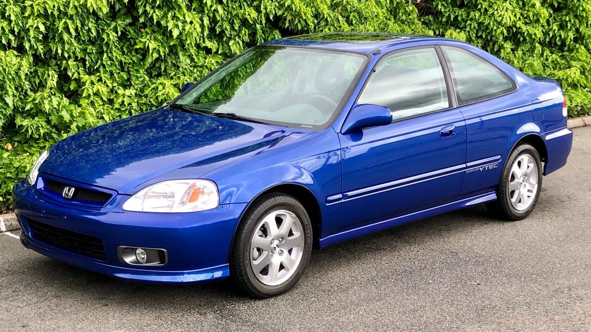 Everybody Come See The $50,000 20-Year-Old Honda Civic