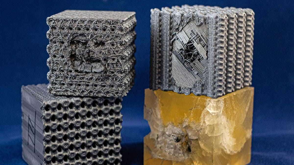 Researchers 3D-Printed Plastic Cubes With Complex Patterns That Make them Bulletproof