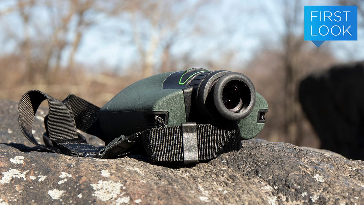 This Slick Combo Camera, Monocular and Digital Guide Did All My Birdwatching for Me