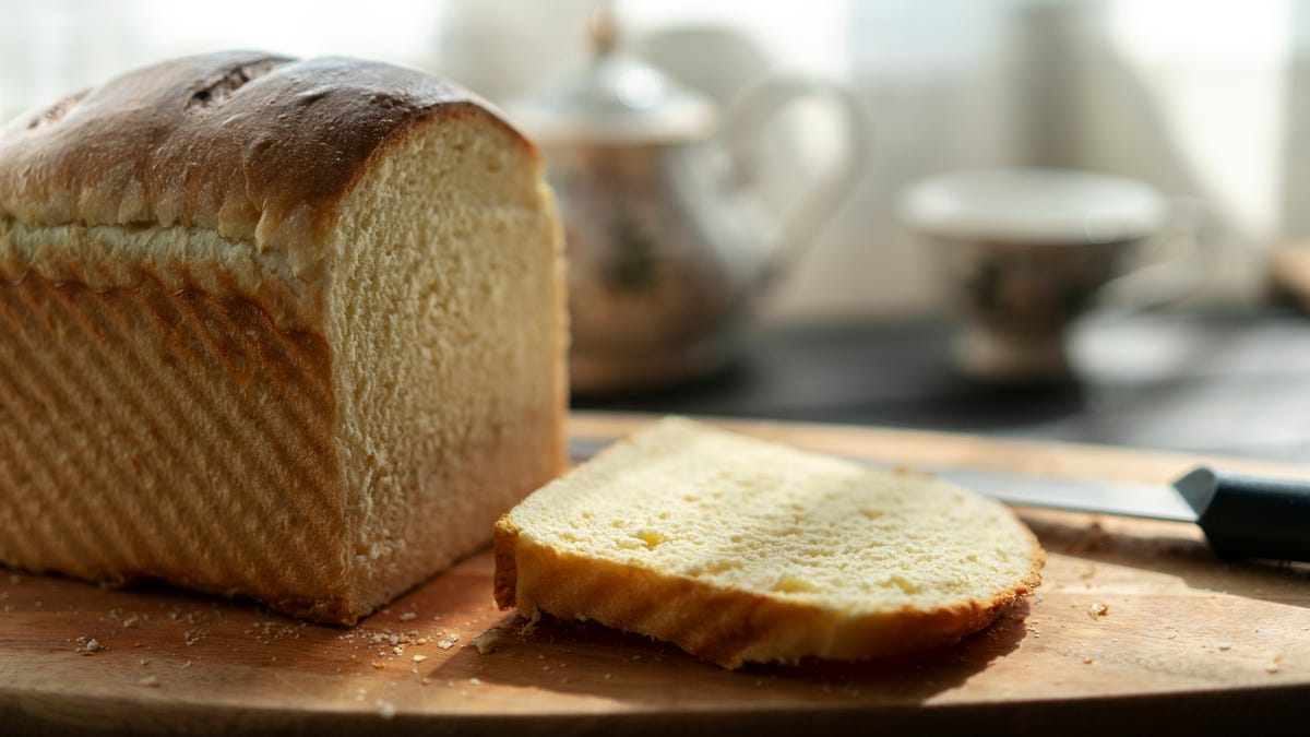Here's a simple—but not basic!—recipe for a nice, plain white bread