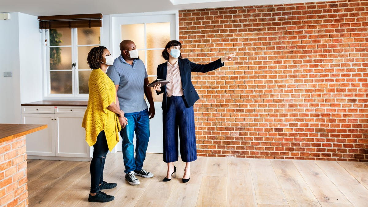 Ask Your Prospective Landlord These Questions, Because Otherwise They Won't Tell You