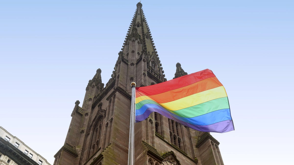 Find Churches That Perform Same-Sex Marriages With This Site thumbnail