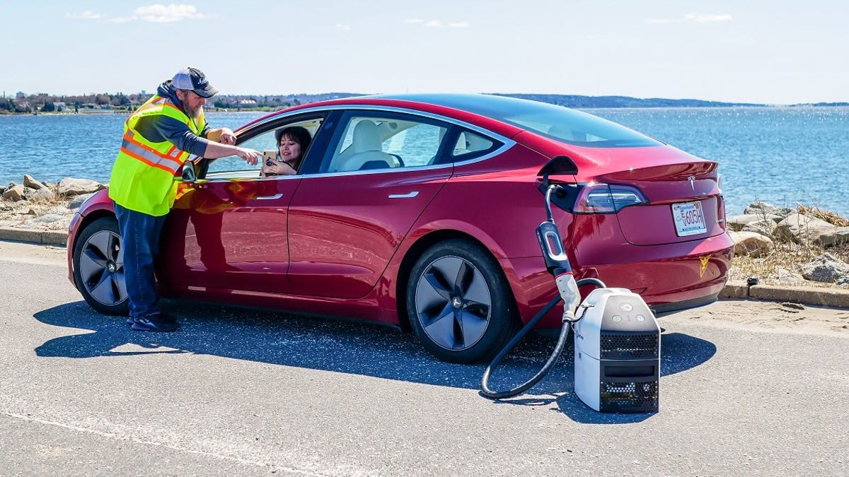 Mobile Charging for EVs Could Be The Future With A Startup Called SparkCharge