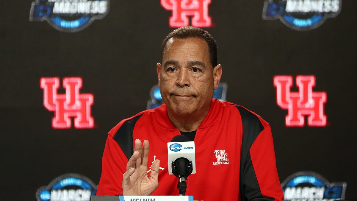 Who All Gon' Be There? The Entire Houston Cougars Roster Has Tested Positive for the Coronavirus This Year. Yup, All 15 of Them